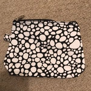 NWOT Black & White Zippered Pouch/Cosmetic Bag!